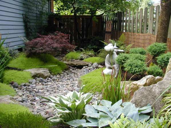 Yard drainage can seamlessly blend into your landscaping